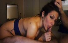 Slutty amateur chick blows good