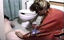 Amateur enema in the bathroom