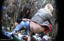 Amateur sluts peeing in nature